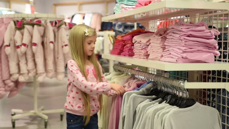 The Best Way to Shop for a Baby Girl's Clothes