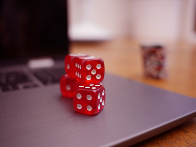 Some Ways to Become Wealthy Through Gambling