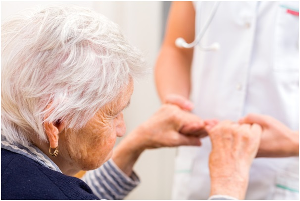 Everything to Consider When Choosing a Caregiver for Seniors