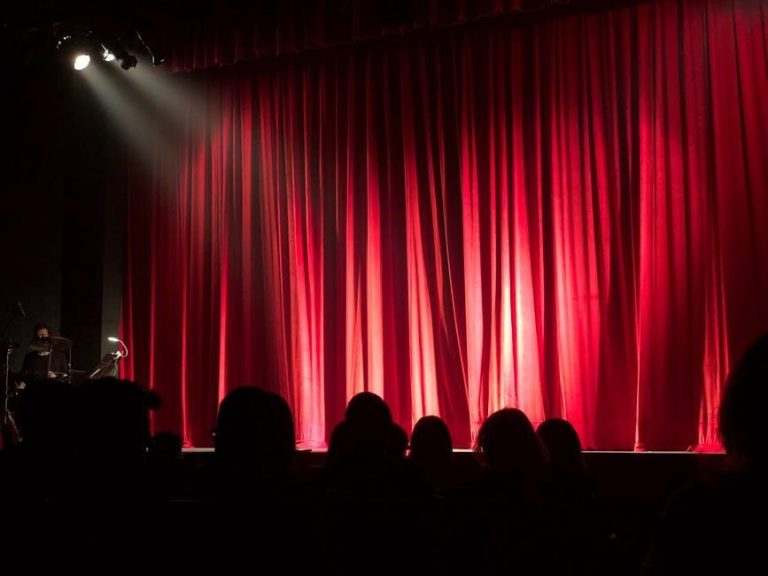5 Tips to Pick The Best Theatre Show