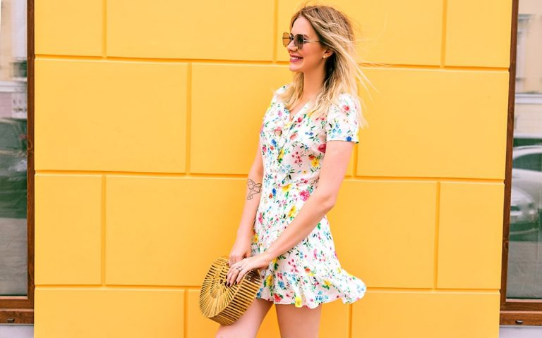 How To Flaunt The Mini Dress?